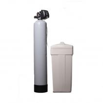На изображении Система умягчения воды Ecosoft FU-1354 CI