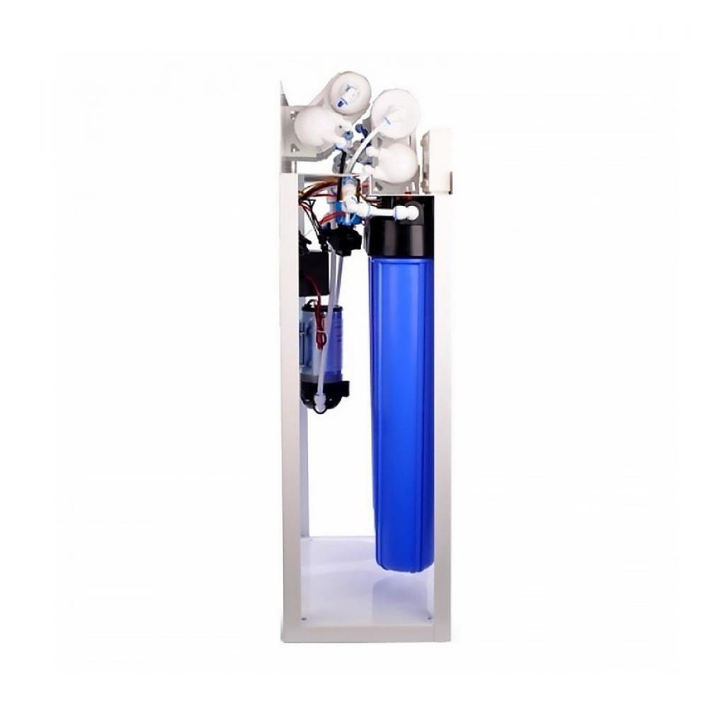 На изображении Фильтр обратного осмоса Aqualine RO-300 с баком