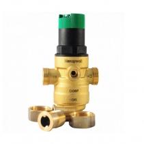 На изображении Редуктор понижения давления HoneyWell (Resideo Braukmann) D06F-1/2B для горячей воды
